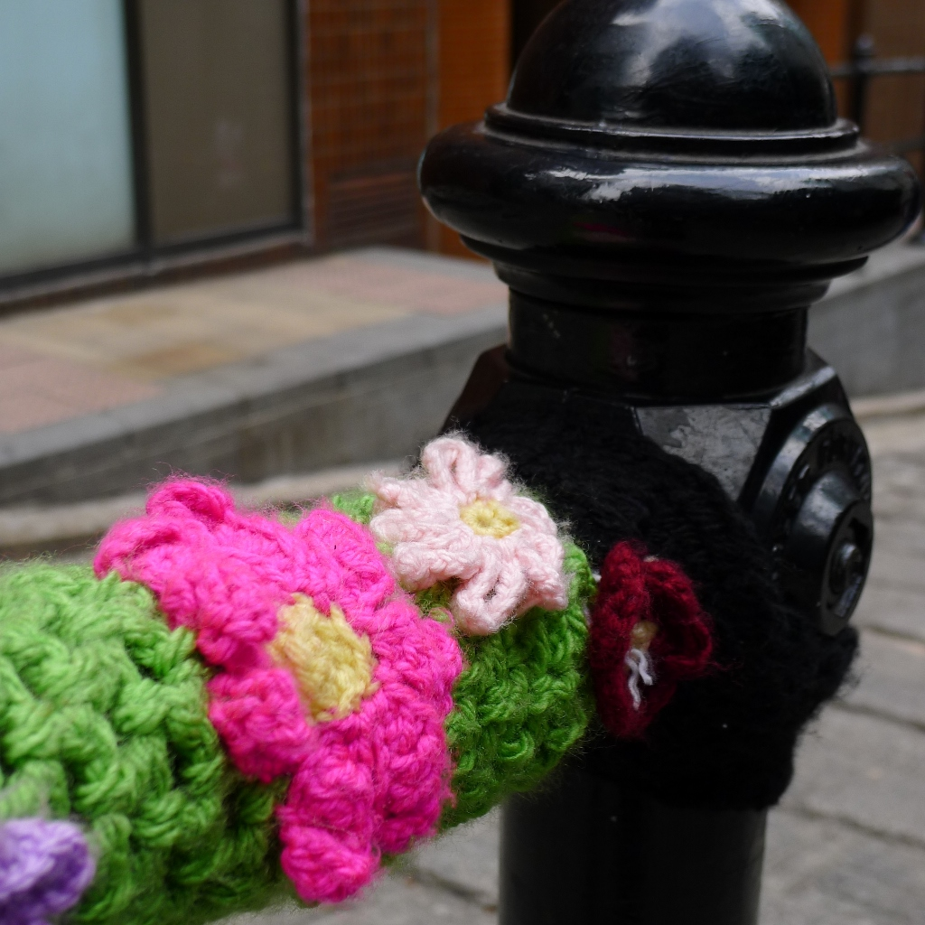 Knitting Yarn Hong Kong : A different kind of street art yarn bombing berlin hong